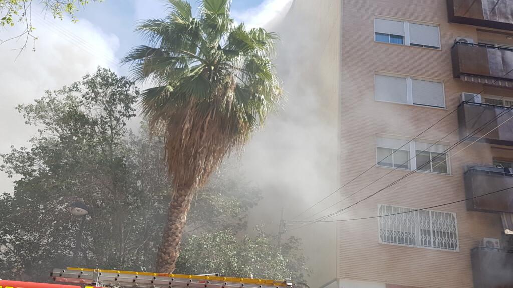 incendio avenida visitación de Valencia (20)