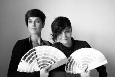 Yinsen, equipo creativo formado por María Pradera y Lorena Sayavera,