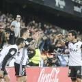 valencia-realsociedad Parejo y Santi Mina celebran el Gol 2