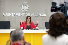 VALENCIA  2018-05-03 La regidora de Desenvolupament Econ˜mic i Turisme, Sandra G—mez, informa de les mesures sobre apartaments tur'stics. Sala de premsa municipal.