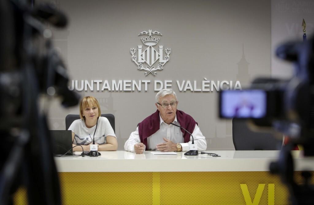 Jose Cuellar 9/5/2018 Valencia, Comunitat Valenciana L'alcalde de València, Joan Ribó, acompanyat per la regidora de Medi Ambient, Pilar Soriano, presenta en roda de premsa la implementació de la recollida selectiva orgànica a València.