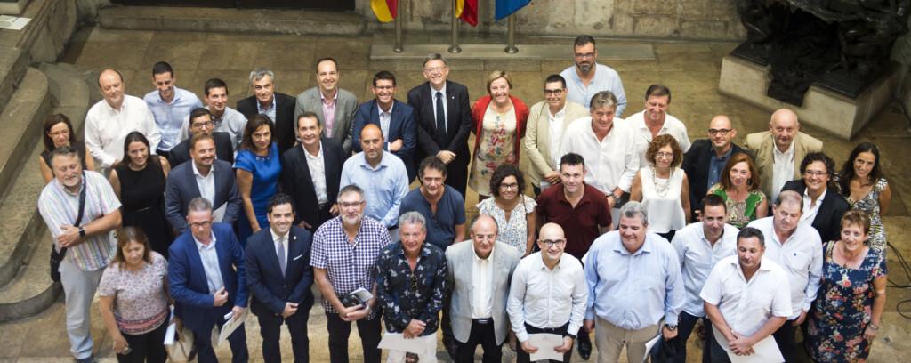 1-Jorge Rodríguez y Ximo Puig con alcaldes y alcaldesas del área metropolitana