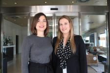 Lucía Calabria, nueva presidenta de Propeller Junior, junto a Paula Casais, ex presidenta.