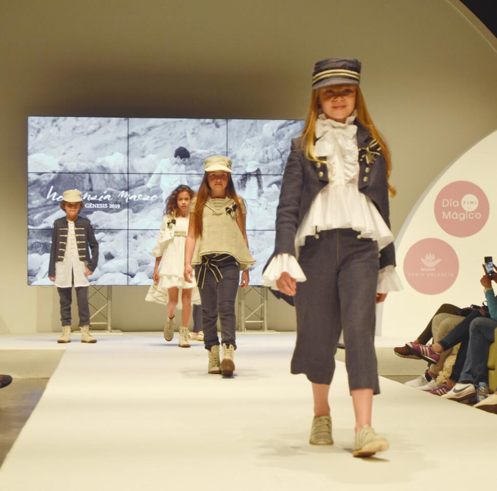 El traje marinero para chicas, la nueva propuesta de Hortensia Maeso para 2019 (2)