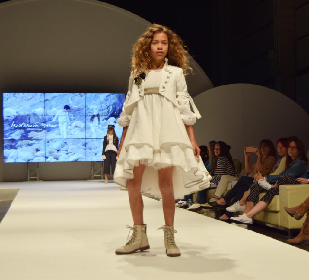 El traje marinero para chicas, la nueva propuesta de Hortensia Maeso para 2019 (3)