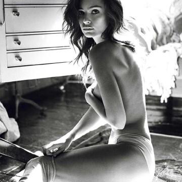 Los últimos desnudos de (@emrata) Emily Ratajkowski en instagram (1)