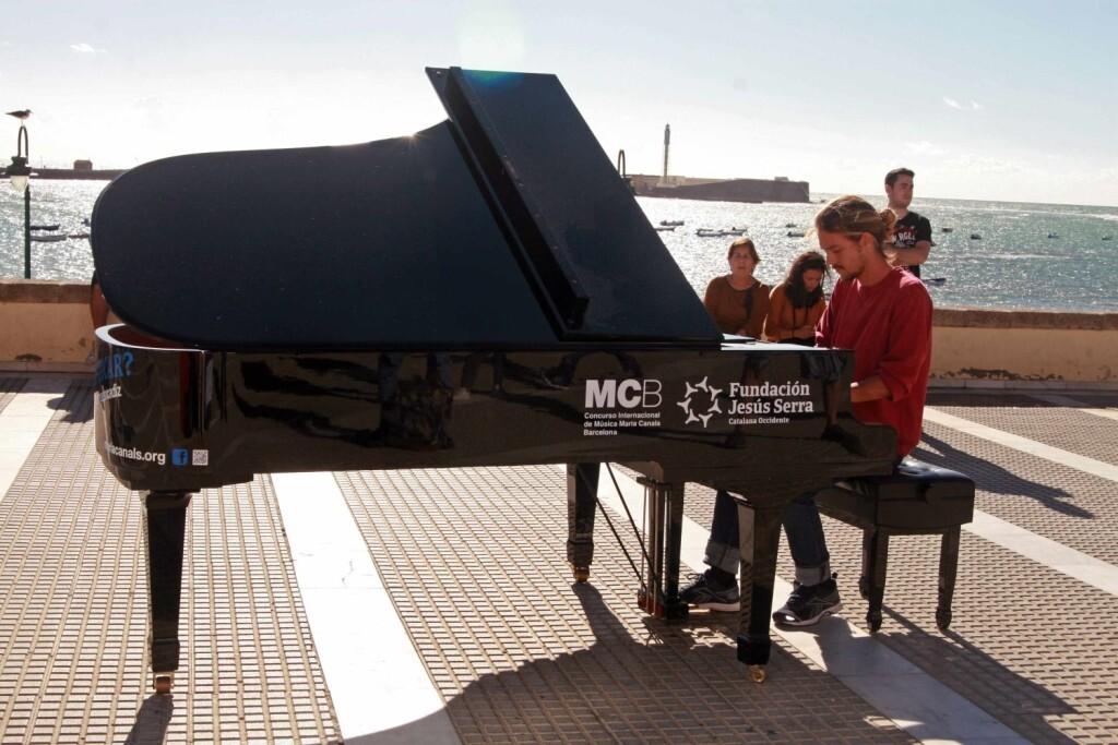 MUSICA. Pianos en la calle Cadiz 2016