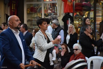 Procesión general por las calles del centro de Valencia en honor a la Virgen de los Desamparados (139)