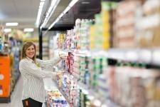 Trabajadora en un supermercado de Mercadona