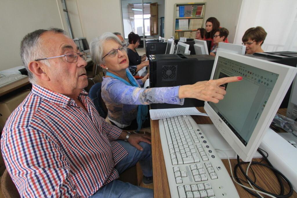 Vilafamés reforma la biblioteca (1)