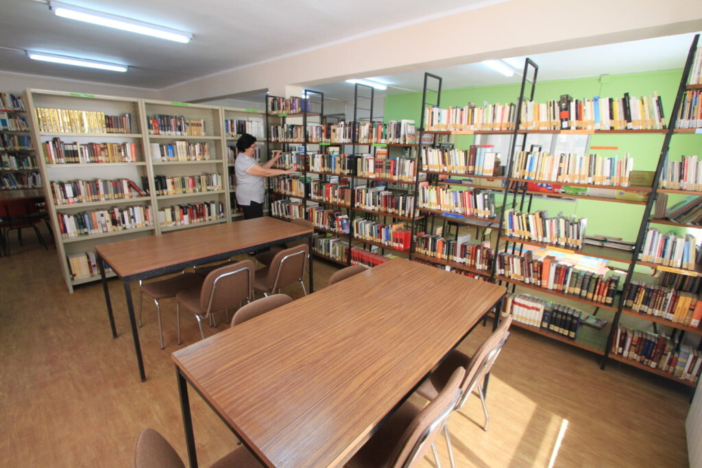 Vilafamés reforma la biblioteca (2)