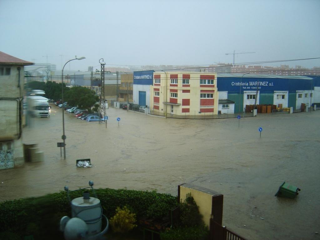 Imagen de archivo de una inundación en la calle Villa de Madrid