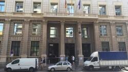 sede-Hacienda-cerrada-desprendimientos_EDIIMA20160721_0669_18
