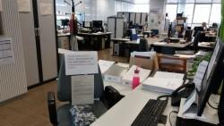 silla-oficinas-carteles-apoyo-condenados_EDIIMA20180524_0872_4