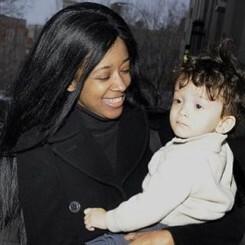 Ex conejita de Playboy saltó del piso 25 de un hotel en Manhattan con su hijo de 7 años en brazos