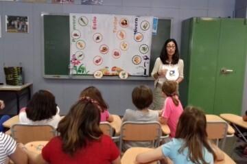 Cerca de 800 centros escolares y 171.000 alumnos participarán en la campaña A menjar sa! que fomenta el consumo de frutas y hortalizas entre los más pequeños.