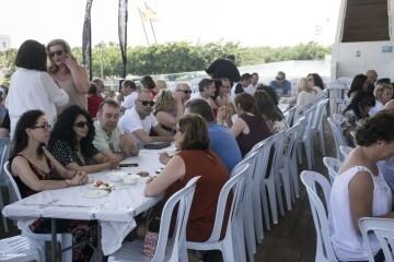 Cerezas y jazz en el Esmorzar Del Tros al Plat para reivindicar el territorio valenciano