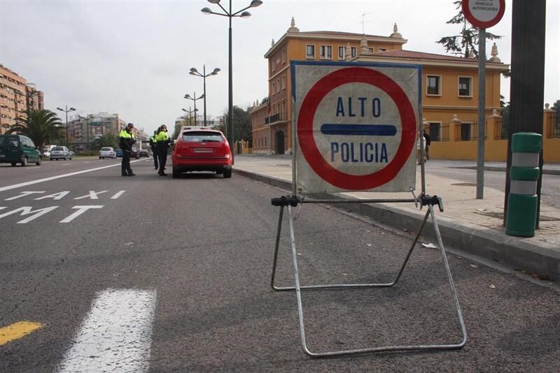 Da positivo en una prueba de alcoholemia y agrede a un policía en València