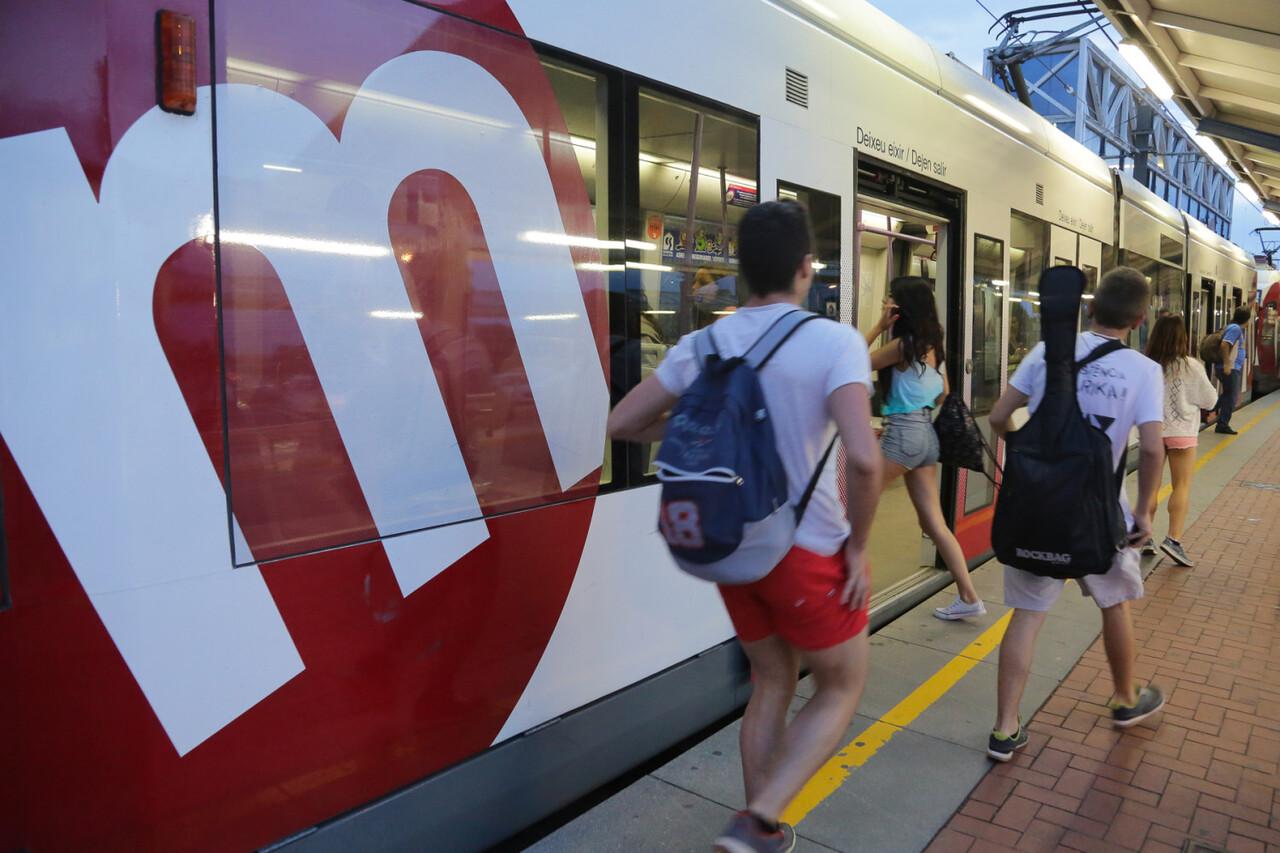 Metrovalencia ofrecerá servicio ininterrumpido de metro y tranvía durante la noche de San Juan