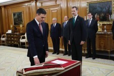 Pedro Sanhez Promete ante el Rey