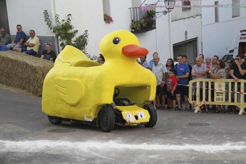 Vilafamés presenta la III edición de la carrera de Cotxes bojos (2)