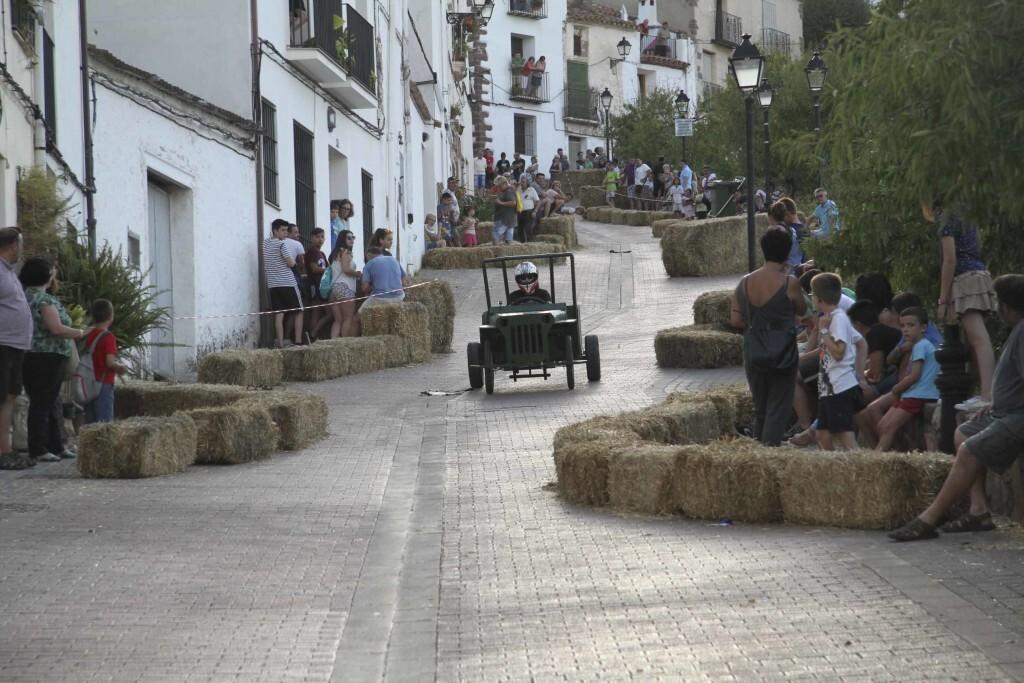 Vilafamés presenta la III edición de la carrera de Cotxes bojos (3)