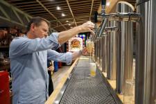 Zeta Beer presenta Trïgger en las Cervezas del Mercado by BWK (21)