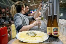 Zeta Beer presenta Trïgger en las Cervezas del Mercado by BWK (9)