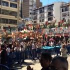 Largas colas y una gran fiesta entre los empleados para abrir Primark València