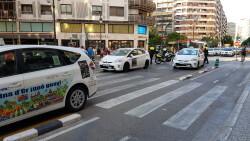 Cerrada a la circulación la calle Colón de València por la huelga de taxistas 20180730_183749(18)