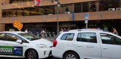 Cerrada a la circulación la calle Colón de València por la huelga de taxistas 20180730_183749(20)