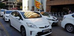 Cerrada a la circulación la calle Colón de València por la huelga de taxistas 20180730_183749(22)