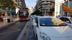 Cerrada a la circulación la calle Colón de València por la huelga de taxistas 20180730_183749(23)