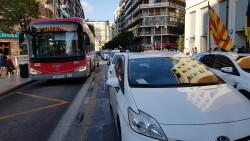 Cerrada a la circulación la calle Colón de València por la huelga de taxistas 20180730_183749(24)