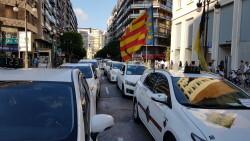 Cerrada a la circulación la calle Colón de València por la huelga de taxistas 20180730_183749(25)