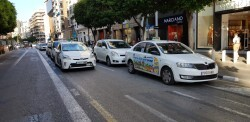 Cerrada a la circulación la calle Colón de València por la huelga de taxistas 20180730_183749(6)