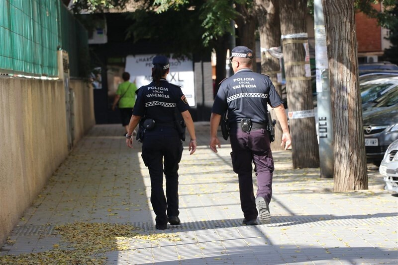 Dos detenidos por agredir a sus parejas y uno de ellos también a su hija menor de edad en València