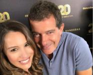 El coqueteo de Pampita y Antonio Banderas ¿Nos vemos en la fiesta ¿Qué perfume vas a llevar Infobae
