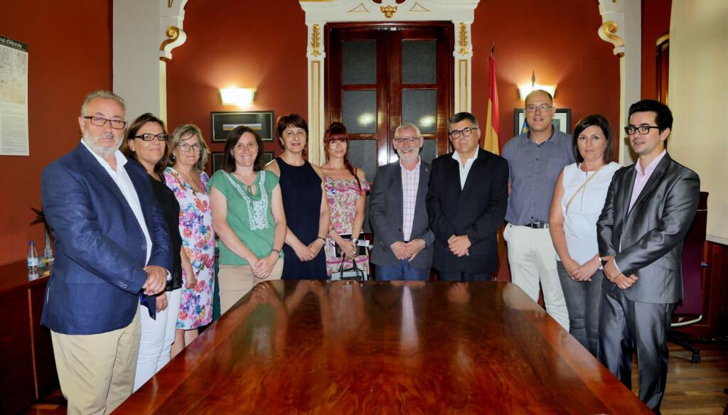 El delegat del Govern a la Comunitat Valenciana, Juan Carlos Fulgencio, ha visitat l'Ajuntament d'Alboraia on s'ha reunit amb l'alcalde, Miguel Chavarría i amb la corporació municipal.