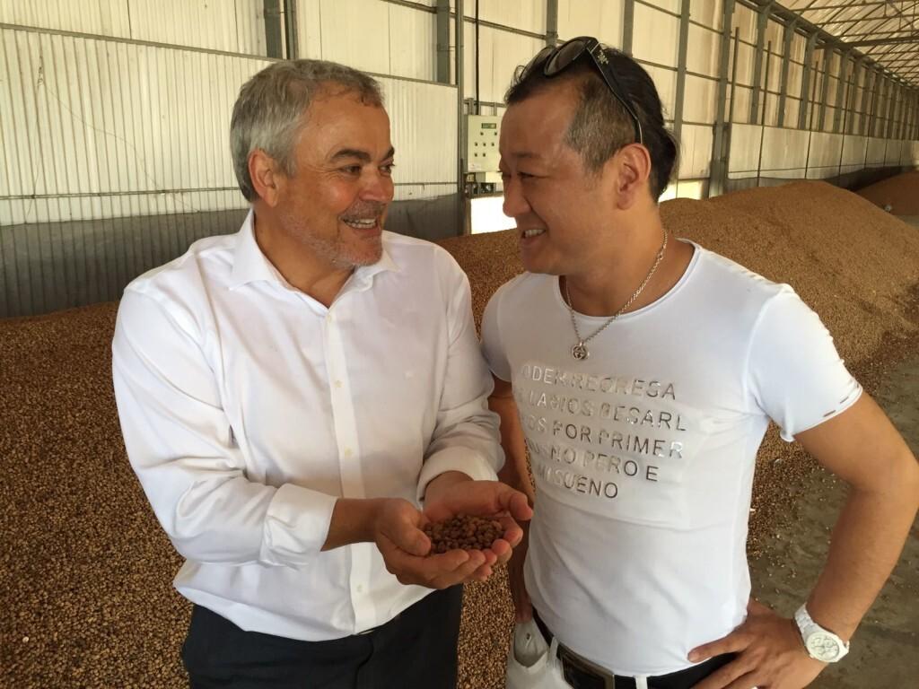 El embajador en el mundo del Té Matcha, Chez Shibata visita Xufatopía (2)