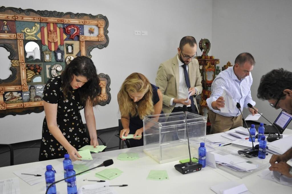 Eleccio presidencia Junta de Festes (slowphotos.es) (6)