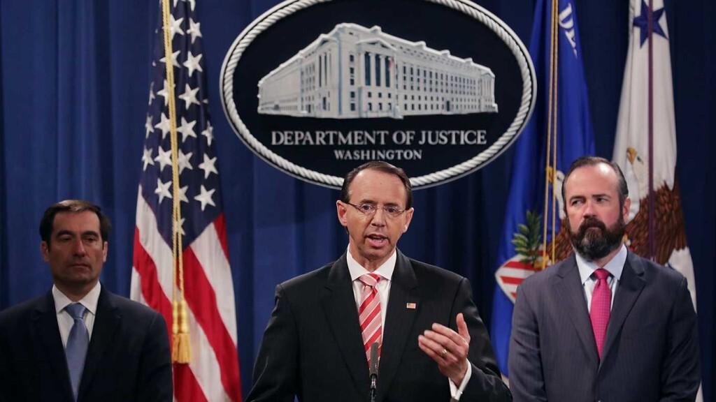 La Fiscalía de EE.UU. imputa a doce agentes rusos por hackear la campaña electoral de Clinton en 2016