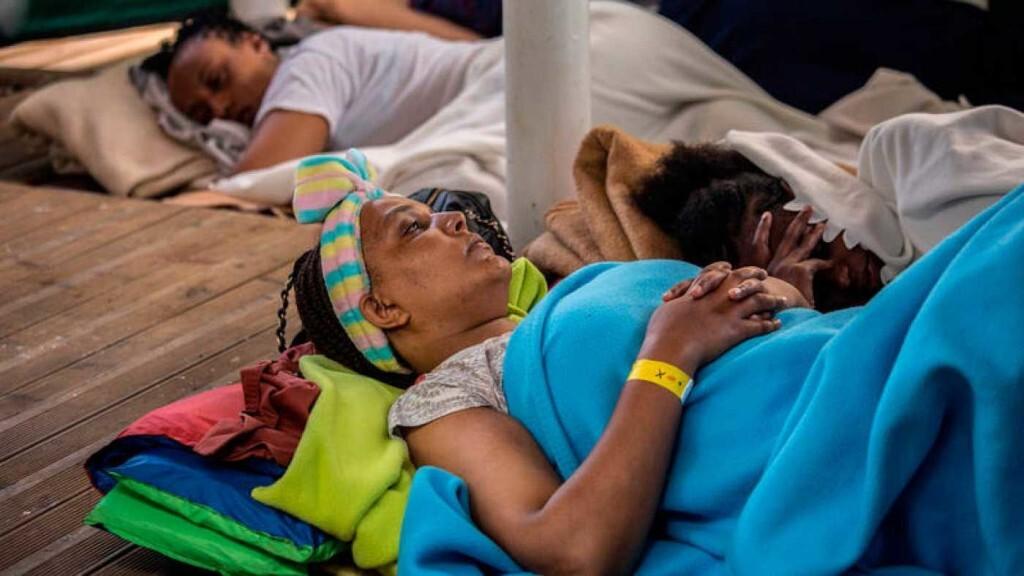 Los inmigrantes a bordo del Open Arms ya han avisado a sus familias de que van a Barcelona