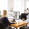 Los monitoresMultiSync®de 27 pulgadas hacen posible utilizar diferentes aplicaciones en una única pantalla
