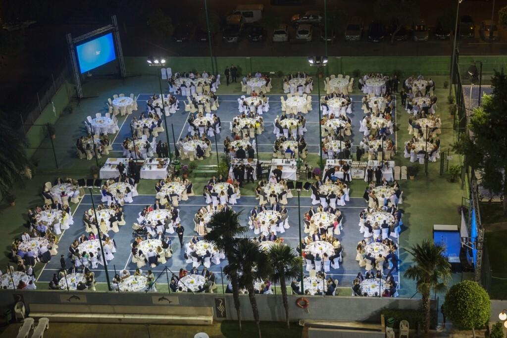 Perspectiva aérea de la cena posterior al acto de toma de posesión de la junta de gobierno del ICO
