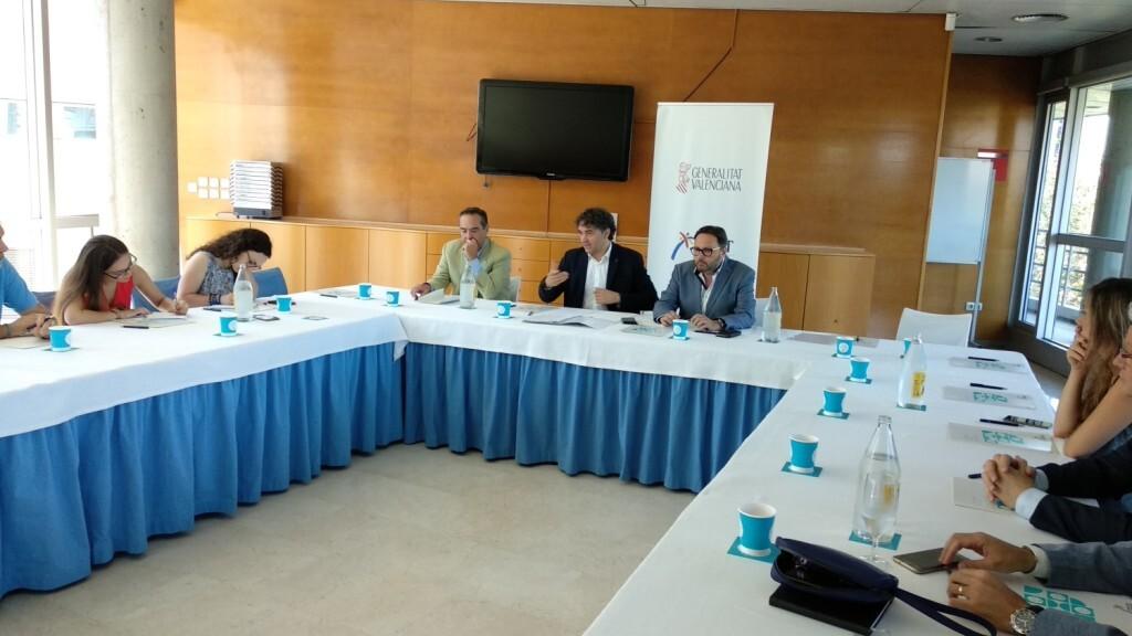 Turisme en colaboración con Conhostur lanza 40 becas remuneradas para trabajar en los mejores establecimientos hosteleros de la Comunitat