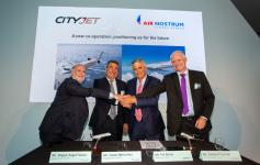 De izquierda a derecha, Miguel Ángel Falcón, director general de Air Nostrum; Carlos Bertomeu, presidente ejecutivo de Air Nostrum; Pat Byrne, consejero delegado de CityJet; y Cathal O´Connell, director comercial de CityJet.