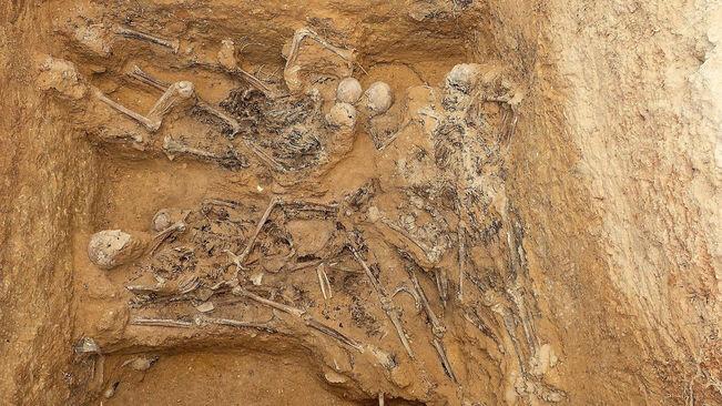 Detall-fossa-Inici-treballs-excavacio_2074002619_56159428_651x366