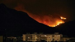 Gandia-declaracion-emergencia-incendio-Llutxent_EDIIMA20180808_0218_4