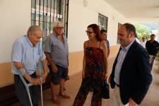 Maria Josep Amigó i Tomàs Ferrandis visiten el Centre Social de Xeresa_01